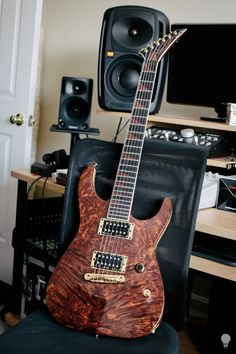 ‎Jackson Guitars - Official! Custom Shop 6. Korina Body. Korina/Mahogany neck thru, Figured Redwood Top, Bare Knuckle Pickups Aftermath set, and Ebony board with Mahogany Inlays. Sounds as good as it looks!