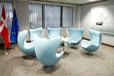 DK Presidency - Decoration of Justus Lipsius: Chairs & Sofas (meeting room) Egg Chair, Sofa Chair, Classic Furniture, Luxury Furniture, Arne Jacobsen Chair, Mid Century Furniture, Contemporary, Modern, Home Office