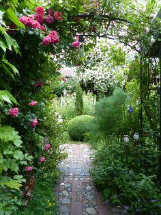 Mosaikweg in den Garten