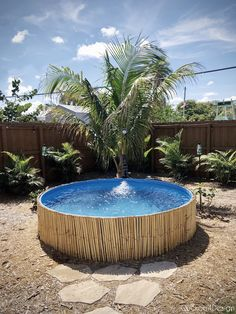 How to stop your stock tank pool from rusting is very simple as shown in this DIY stock tank pool makeover using a pool liner the way we did with ours. Stock Pools, Stock Tank Pool, Piscina Pallet, Patio Chico, Pallet Pool, Small Swimming Pools, Small Pools, Little Pool, Diy Pool