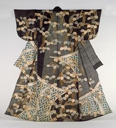 to early century Shroud and unlined kimono thing that has been tailored in linen. Adding to the sense of sheer fabric is exhilarating to the black ground color, are showing the texture of clothing suitable for summer. Nara Prefecture Museum of Art, Japan Japanese Textiles, Japanese Fabric, Japan Fashion, Fashion Week, Paris Couture, Mode Kimono, Kimono Design, Japanese Costume, Kimono Pattern