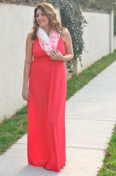 Bright & Bold Maxi Dress | Fizz and Frosting #maternitystyle