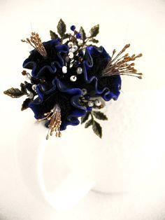 Flower brooch Illusion Pin Blue Brooch bouquet flowers Brooch