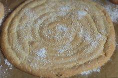 Charlotte au citron meringuée – Recette facile Meal Planning, Cheesecake, Cooking Recipes, Menu, Pie, Nutrition, France, Table, Instagram