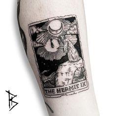 The Hermit Tarot Tattoo ☽☯☾magickbohemian Tattoos 3d, Best Sleeve Tattoos, Love Tattoos, Tattoo You, Body Art Tattoos, Tatoos, Pretty Tattoos, Beautiful Tattoos, Tarot Card Tattoo