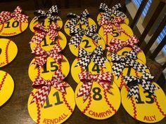 Softball locker decorations Softball Team Gifts, Senior Softball, Softball Party, Softball Crafts, Softball Coach, Softball Quotes, Girls Softball, Cheerleading Gifts, Basketball Gifts