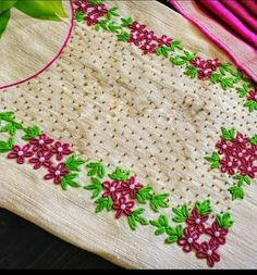 Hand Embroidery Videos, Hand Work Embroidery, Embroidery On Clothes, Embroidery Flowers Pattern, Hand Embroidery Stitches, Embroidery Fashion, Beaded Embroidery, Simple Embroidery Designs, Kurti Embroidery Design