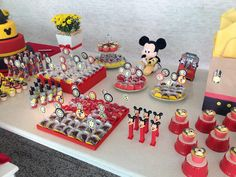 dessert  table minnie