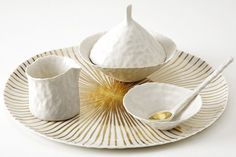 Hand modeled porcelain in pure white or gold-plated   porcelain .Porzellan .porcelaine   Handmade in Germany: Doris Bank