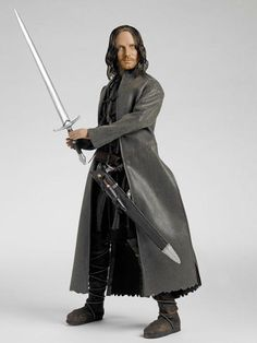 STRIDER, RANGER OF THE NORTH- The Lord of the Rings - Tonner Doll Company