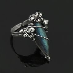 Free Wire Jewelry Tutorials | Free Time Crafts: DIY: Simple Wire-Wrapped Ring Tutorials | Jewelry