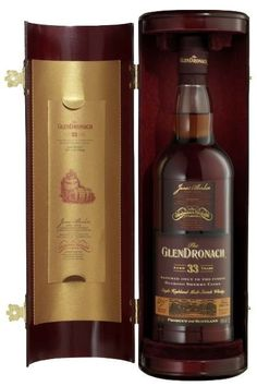 GlenDronach 33 years old Scotch Whisky Whisky Bar, Cigars And Whiskey, Whiskey Drinks, Vodka Drinks, Scotch Whiskey, Bourbon Whiskey, Fun Drinks, Alcoholic Drinks, Cocktails