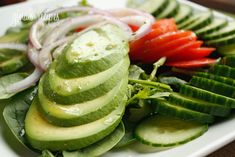 Avocado Salad with Citrus Mojo – I ALWAYS have avocados in my house. I LOVE them in my soup, in my sandwiches, as a dip or in a simple salad such as this. #cleaneating #paleo #weightwatchers #salad