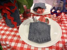 fun for a fourth of july picnic. i saw this table setting at harmon's grocery store...go figure