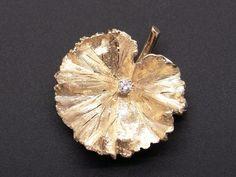 14k Yellow Gold Round Diamond Leaf Clover Flower Brooch Pin