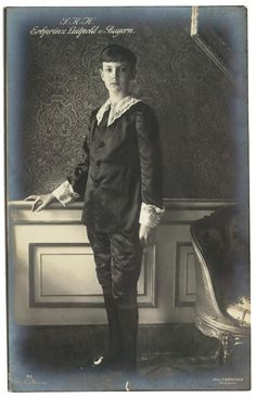 Prince Luitpold of Bayern in aesthetic dress, 1914.