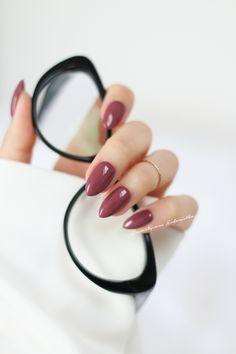 Kosmetyczna Hedonistka: Blog urodowo - lifestylowy | Pielęgnacja włosów | Makeup | Kosmetyki | Moda: MANICURE W KOLORZE NUDE CZYLI ODCIENIE IDEALNE DO PRACY, DO SZKOŁY I NA CO DZIEŃ.