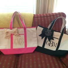 Vinyl heat transfer monogrammed spa tote bags. Made with the Silhouette.