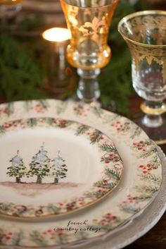 On The Table~ Natale Christmas table setting - Have you noticed that I am a huge fan of pretty table settings? Ones with fresh flowers christmasdishes French Christmas Decor, Christmas Place, Christmas China, Christmas Dishes, Victorian Christmas, Vintage Christmas, Christmas Dinnerware, Whimsical Christmas, Nordic Christmas