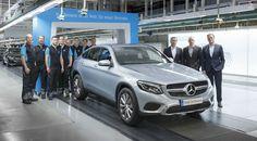 El primer Mercedes GLC Coupé sale de la línea de montaje # El Mercedes GLC Coupé era presentado en el pasado Salón de Nueva York y llegaba para plantar cara directamente al BMW X4. El nuevo SUV coupé de la marca de la estrella tomaba como base …