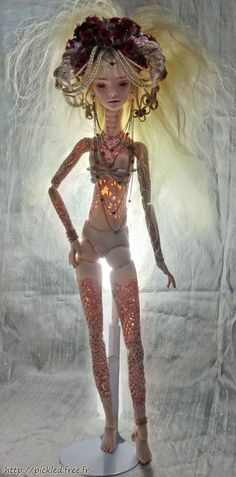 Marmite Sue, Venus AE doll. Great image the lighting shows you how intricate these bodies are sculpted. Great detailing with the hair and horns.