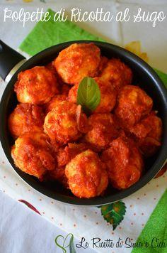 Le Polpette di Ricotta al Sugo sono un secondo piatto molto gustoso e semplice da preparare. L'ingrediente principale per realizzare queste