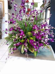 Top 25 Orchid Arrangements Ideas To Enhanced Your Home Beauty Potted Orchid Centerpiece, Orchid Flower Arrangements, Artificial Flower Arrangements, Flower Centerpieces, Orchid Pot, Orchid Plants, Types Of Orchids, Artificial Orchids, Flower Garden Design
