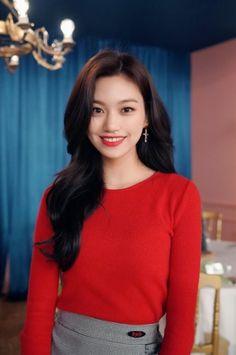Weki Meki - Doyeon The Most Beautiful Girl, Beautiful Moments, South Korean Girls, Korean Girl Groups, Kim Chungha, Kpop Hair, Korean American, Unique Faces, Korean Singer