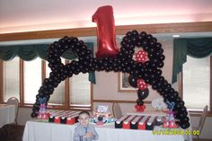 A Mickey Ear Arch over the dessert table Mickey Mouse Balloons, Mickey Ears, Balloon Flowers, Balloon Arch, Wedding Balloons, Birthday Balloons, Birthday Balloon Delivery, Mothers Day Balloons, Baptism Party