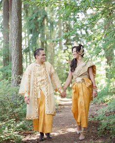 "A Colorful, Traditional Cambodian and Chinese Wedding in Oregon | Martha Stewart Weddings - Linna knew that she wanted a traditional Chinese- and Cambodian-style celebration to reflect her ancestry, and that she had plenty of time to plan: Her brother had gotten engaged several months prior. ""In Chinese culture, siblings can't get married within a year of each other—it's bad luck,"" she says."