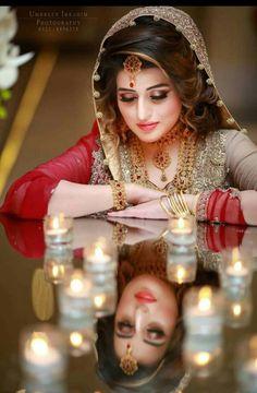 Pakistani Bridal Hairstyles for Wedding 2018 Pakistani Bridal Hairstyles, Pakistani Bridal Makeup, Pakistani Bridal Dresses, Wedding Hairstyles, Indian Wedding Couple Photography, Indian Wedding Bride, Bride Photography, Dream Photography, Bengali Wedding