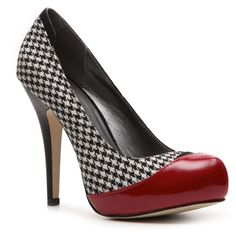 Madden Girl Flirrt Houndstooth Pump (32 CAD) ❤ liked on Polyvore featuring shoes, pumps, heels, red, houndstooth pumps, red heel shoes, madden girl, red pumps and houndstooth shoes