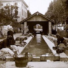 Doing Laundry at Public Trough - Como Lombardia   #TuscanyAgriturismoGiratola