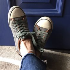 AldoAdorable Sneakers! These sneakers are awesome! In perfect comfy shape! You won't regret buying these! ALDO Shoes Sneakers