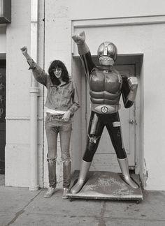 Joey Ramone (The Ramones)&Kamen Rider Joey Ramone, Ramones, Kamen Rider, Music Icon, Art Music, Music Artists, Diane Arbus, Punk Rock, 7 Arts