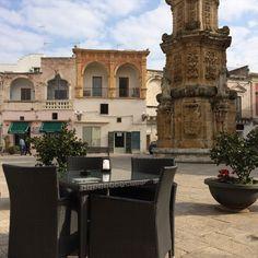Cosmoarredo planter and coffee in Piazza Salandra #bellitalia #streetfurniture #planter