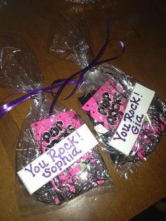 Best Cheer treats ideas on Gymnastics Gifts, Cheerleading Gifts, Volleyball Gifts, Cheerleader Games, Volleyball Snacks, Soccer Snacks, Gymnastics Stuff, Volleyball Ideas, Basketball Gifts