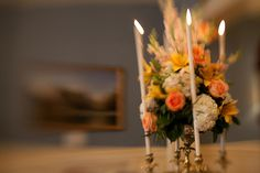 A lovely elevated centerpiece - by Buttercup: Image by Phil Kramer.