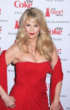Christie Brinkley Long Wavy Cut - Christie Brinkley wore her hair in long flowing layers with side-swept bangs at the Heart Truth's Red Dress Fashion Show. Hairstyles Over 50, Haircuts For Long Hair, Older Women Hairstyles, Cool Hairstyles, Layered Hairstyles, Medium Hairstyles, Blonde Hairstyles, Wedding Hairstyles, Short Haircuts
