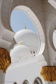 Sheikh Zayed Grand Mosque / Travel Gourmande