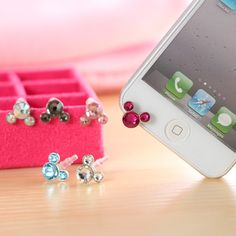 Decorate your iphone 5 with the elegant Swarovski Crystal Earphone Anti dust Cap Plug, change the look of your iphone 5 immediately, while you needn't to change the iphone 5 case. It can also prevent your iphone from dust.