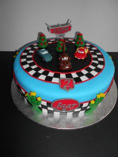 Cars Cake Finn McMissle, Mater and McQueen, Cars taart Finn McMissle, Takel en McQueen