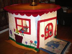 DINING TABLE PLAYHOUSE, simple felt house, childrens toy fort