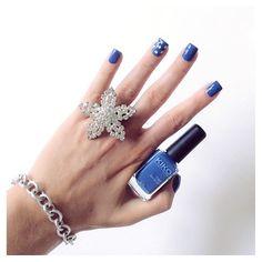 Blu navy chiaro kiko 518 e stelline glitter mix essence per la manicure di oggi! ✨ #eglebreme #nails #unghie #nailart #manicure #mani #smalto #smaltikiko #smaltodelgiorno #polish #polishoftheday #kiko #kikocosmetics #kikocosmeticsofficial #kikonailpolish #essence #kiko518 #thewomoms #womoms  #instamamme #smaltokiko #essencecosmetics #smaltoblu #bluepolish #stelline #star #stars #notd