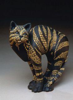 Nan Jacobsohn Exhibiting member in Clay Pottery Animals, Ceramic Animals, Clay Animals, Ceramic Art, Sculpture Textile, Art Sculpture, Clay Cats, Sculptures Céramiques, Cat Statue
