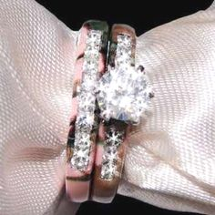 camo wedding rings!!