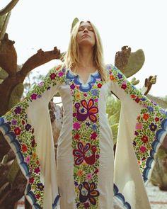 Mexican Wedding Dress Boho wedding gown Maxi Caftan Dress Source by flor_de_afrodita Mexican Embroidery, Vintage Embroidery, Embroidery Dress, Bird Embroidery, Caftan Dress, Boho Dress, Bohemian Mode, Hippie Boho, 70s Hippie