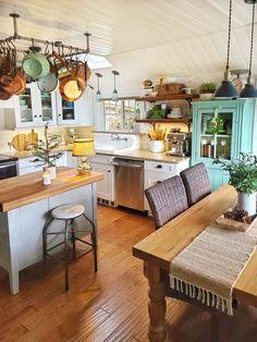 Cottage Living Rooms, Cottage Kitchens, Home Kitchens, Cozy Kitchen, Kitchen Dinning, Kitchen Decor, Kitchen Cart, Küchen Design, House Design