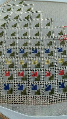 This Pin was discovered by dem Cross Stitch Geometric, Cross Stitch Patterns, Blackwork, Palestinian Embroidery, Bargello, Diy Gifts, Blanket, Sewing, Crochet