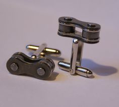 Bicycle+Chain+Link+Cufflinks+FREE+Gift+Bag+by+Cufflinked+on+Etsy,+$25.00
